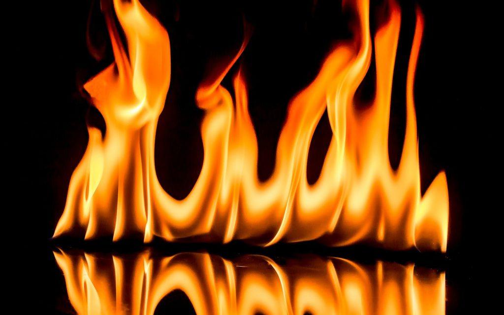 orang takut akan neraka karena api